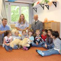 Spendenübergabe im Tommental-Kindergarten